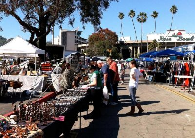 Rose-Bowl-Flea-Market-LosAngeles-by-Claudia-Schwarz